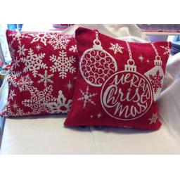 FESTIVE-CHRISTMAS-CUSHION