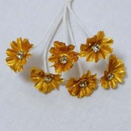 Gold-Daisy-with-Diamante-Centre-Silk