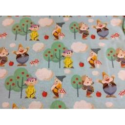 NUTEX-PATCHWORK-FABRIC-7-DWARFS-37190