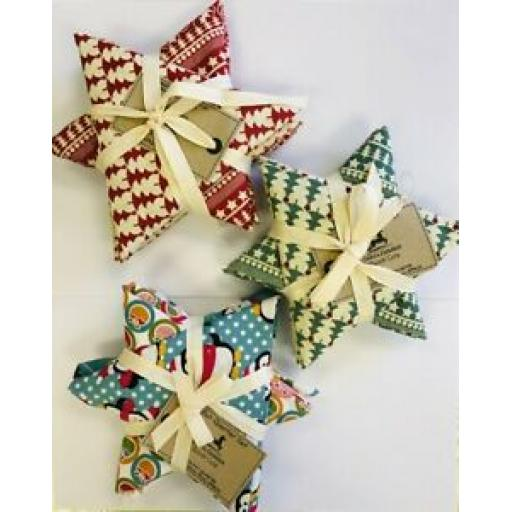 FABRIC FREEDOM FAT QUARTER CHRISTMAS SET