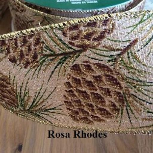 1 x CHRISTMAS WIRE EDGED RIBBON - GOLD/GREEN PINECONES