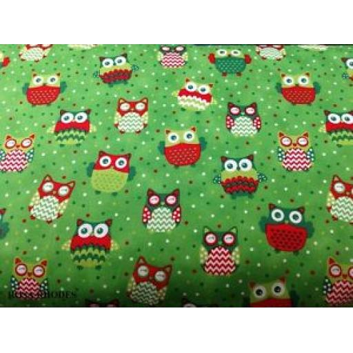 1 X FAT QUARTER NUTEX PATCHWORK FABRIC - CHRISTMAS HAPPY OWL - OWL ALLOVER GREEN- 36730 -108