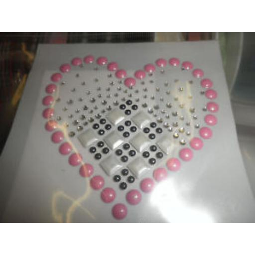 IRON ON MOTIF - PINK HEART SHAPE WITH DIAMANTE