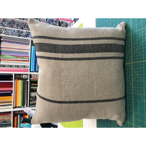 1 x 100% LINEN - COLOUR : HESSIAN WITH GREY STRIPES